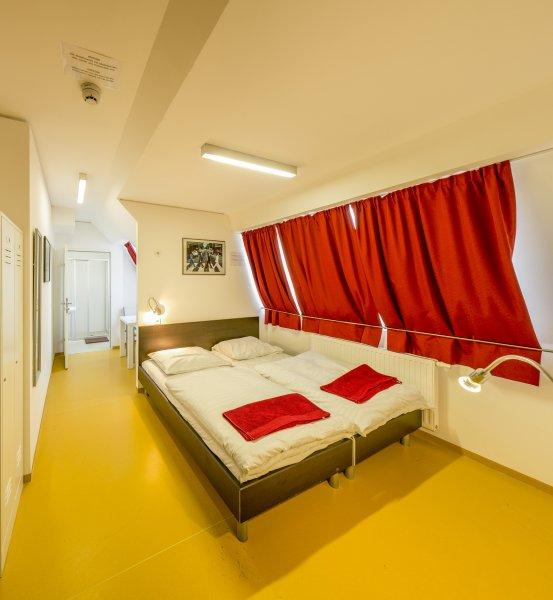 a and t Holiday Hostel