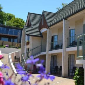 호스텔 - Colonial Lodge Motel