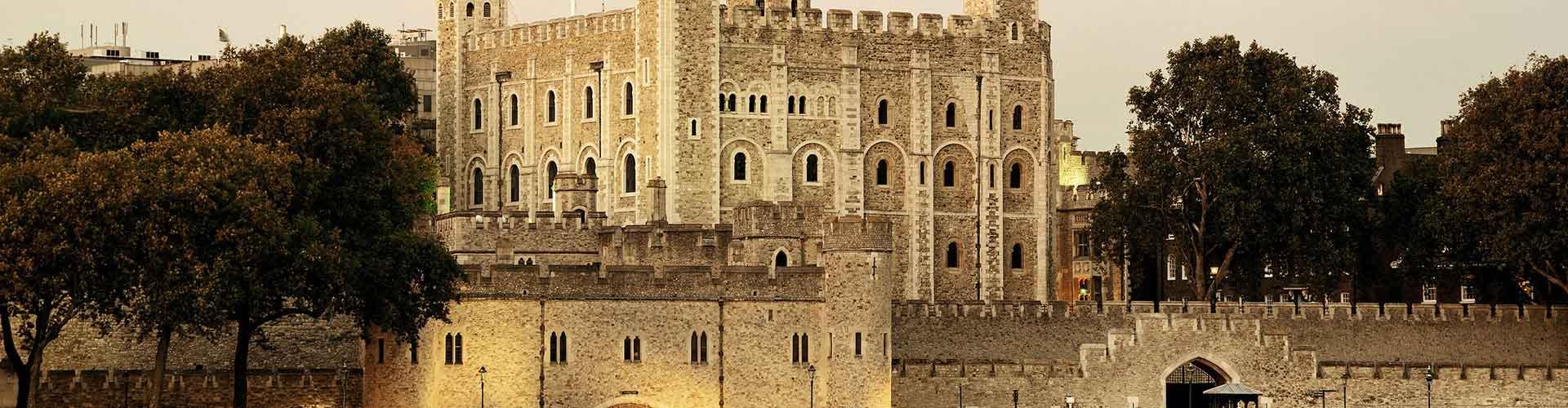 런던 - 런던 타워와 가까운 호스텔. 런던의 지도, 런던에 위치한 호스텔 사진 및 후기 정보.