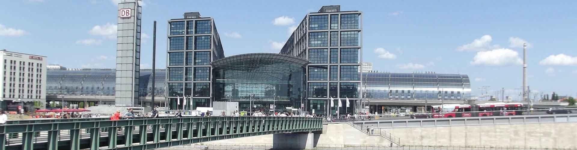 베를린 - 베를린 오스트반호프역와 가까운 호스텔. 베를린의 지도, 베를린에 위치한 호스텔 사진 및 후기 정보.
