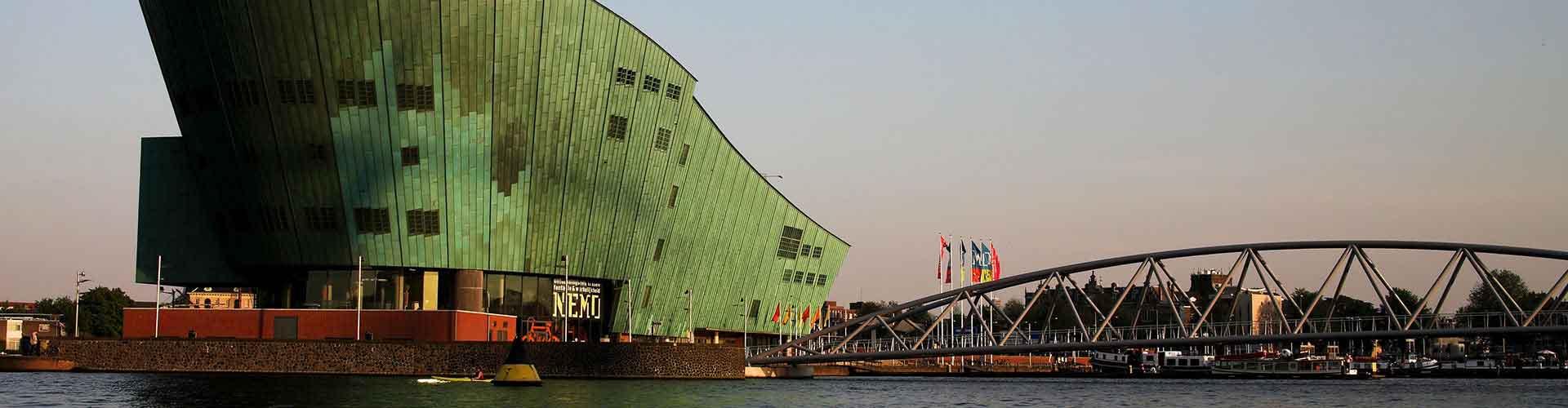 암스테르담 - NEMO와 가까운 호스텔. 암스테르담의 지도, 암스테르담에 위치한 호스텔 사진 및 후기 정보.