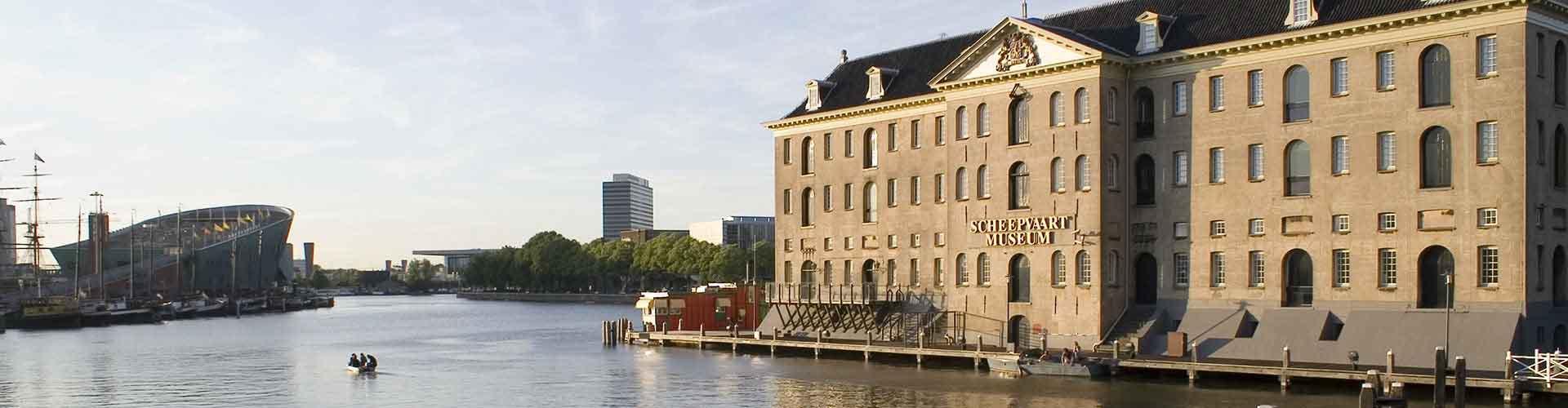 암스테르담 - 네덜란드 국립해양 역사박물관에 가까운 캠핑장. 암스테르담의 지도, 암스테르담에 위치한 캠핑장에 대한 사진 및 리뷰.
